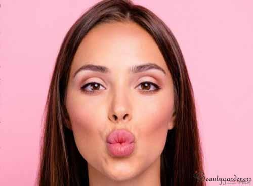nibble kiss